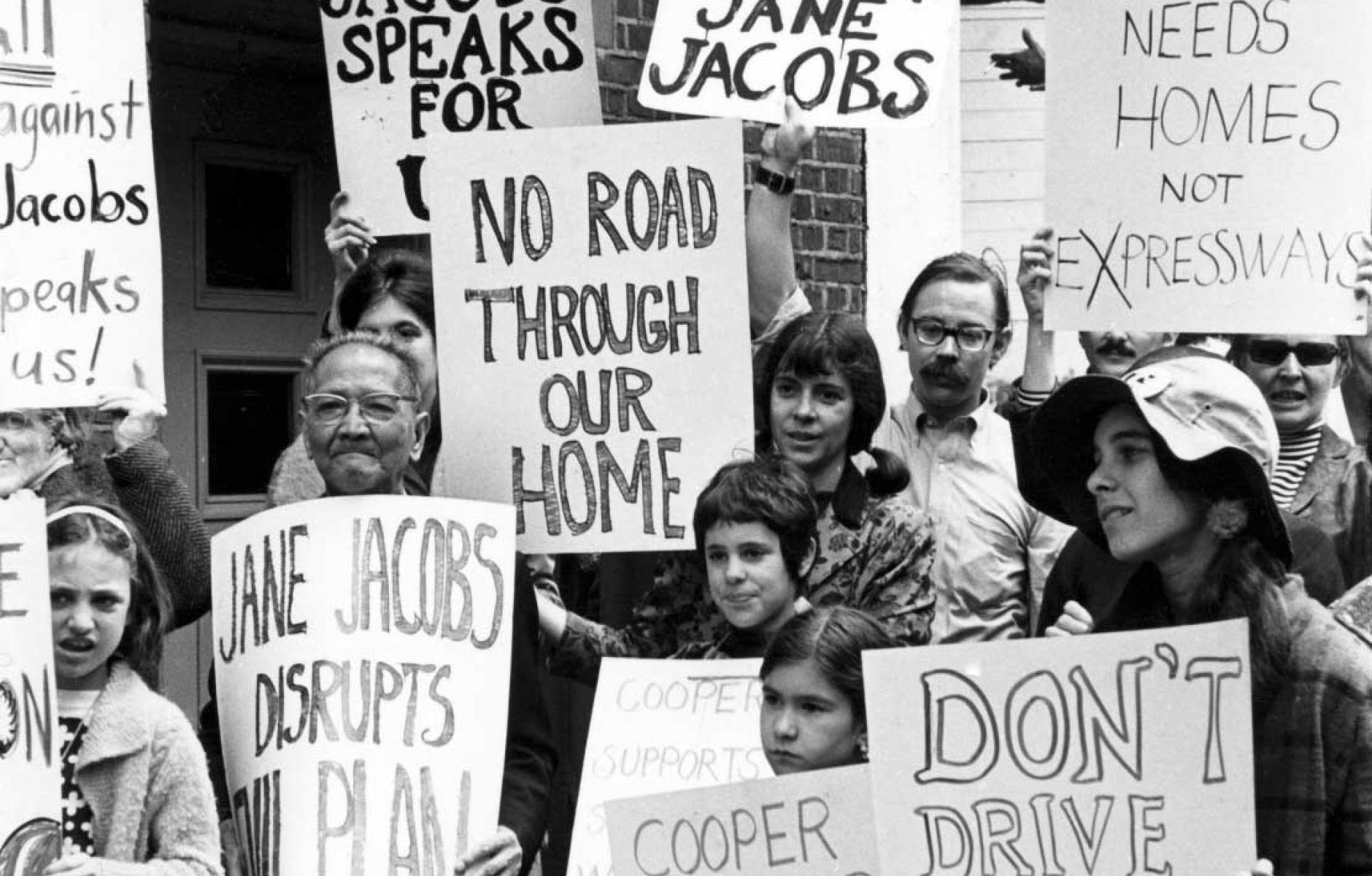 공동체를 파괴하는 고속도로 건설에 반대하는 뉴요커들
